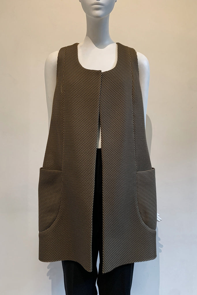 Beehive Tech Fabric One-Size-Fits-All Vest with Oversized Pockets