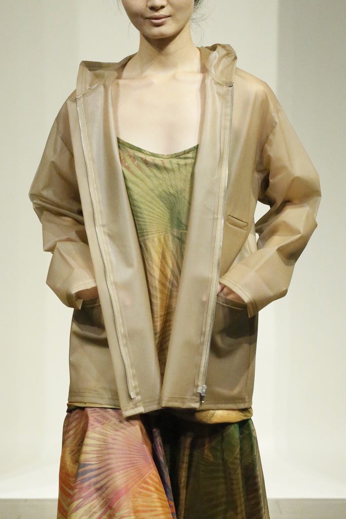 See-through Nude Color Three-Pocket Hooded Rain Jacket
