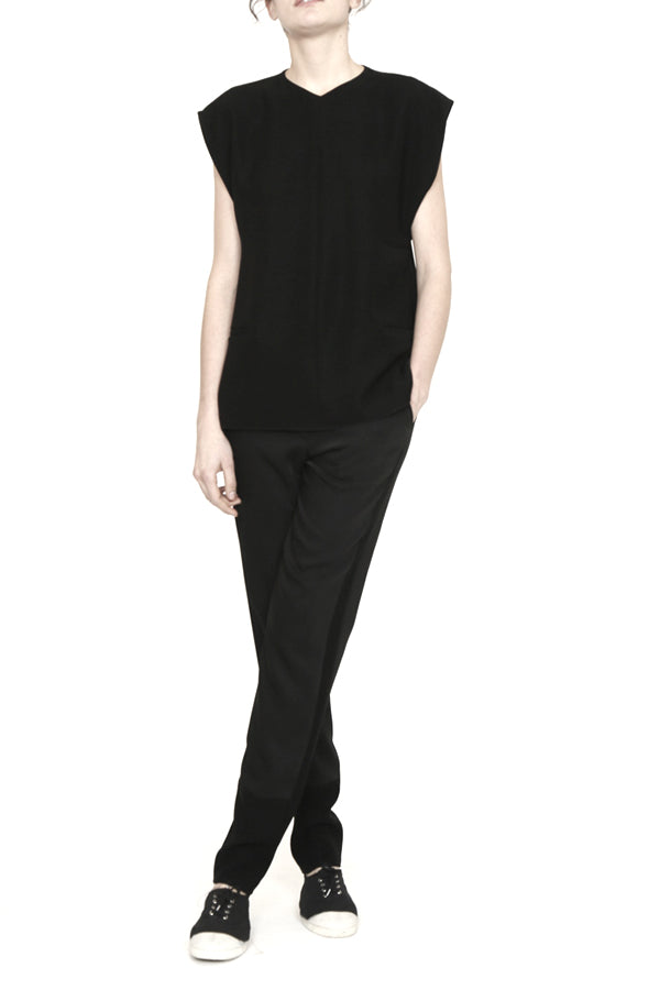 Smart Gabardine V Neck Three Pocket Top