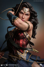 Load image into Gallery viewer, Queen Studios 1/4 Wonder Woman statue