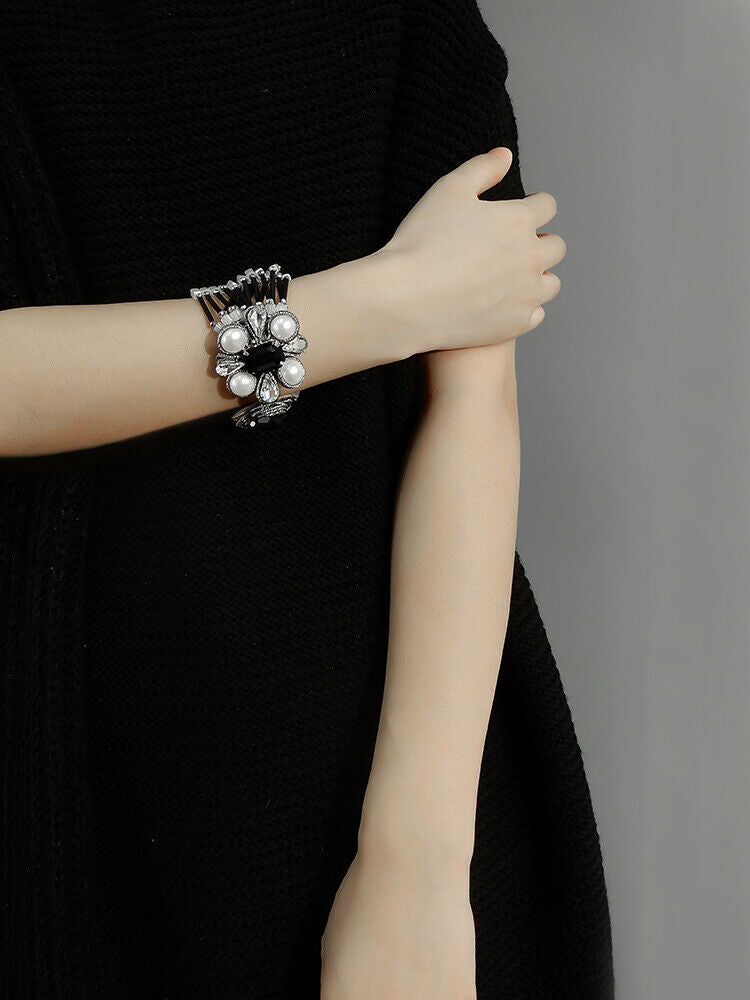 Multi Strands Glass Beads Bracelet With Flower Closure