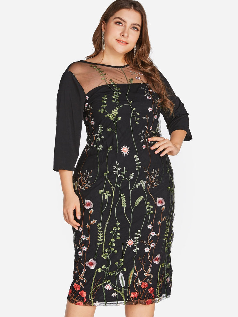 Round Neck 3/4 Sleeve Black Plus Size Dress