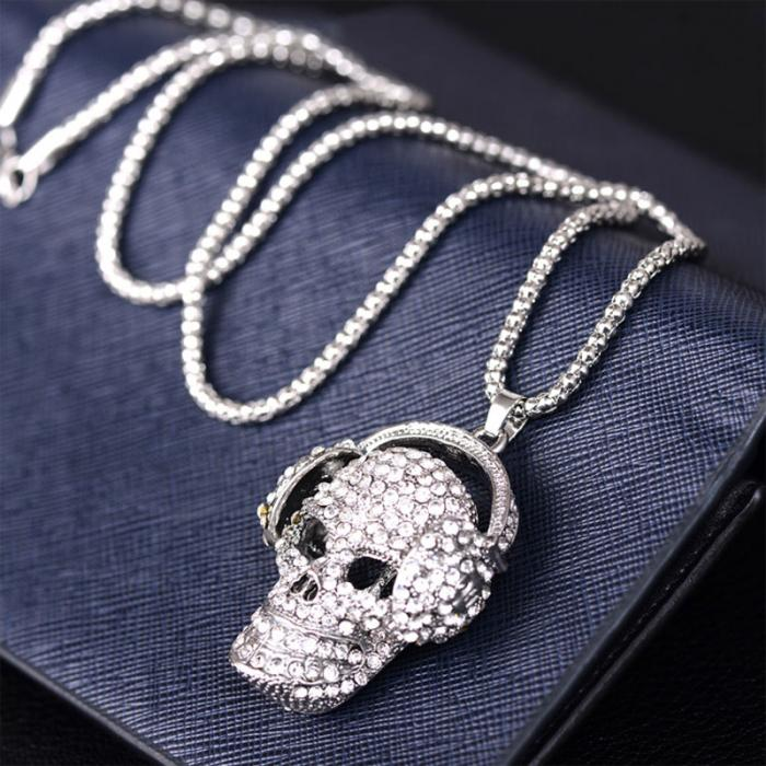 Personality Women Long Necklace Alloy Rhinestone Skull Pendant Sweater Chain Ladies Girls Necklaces Gifts