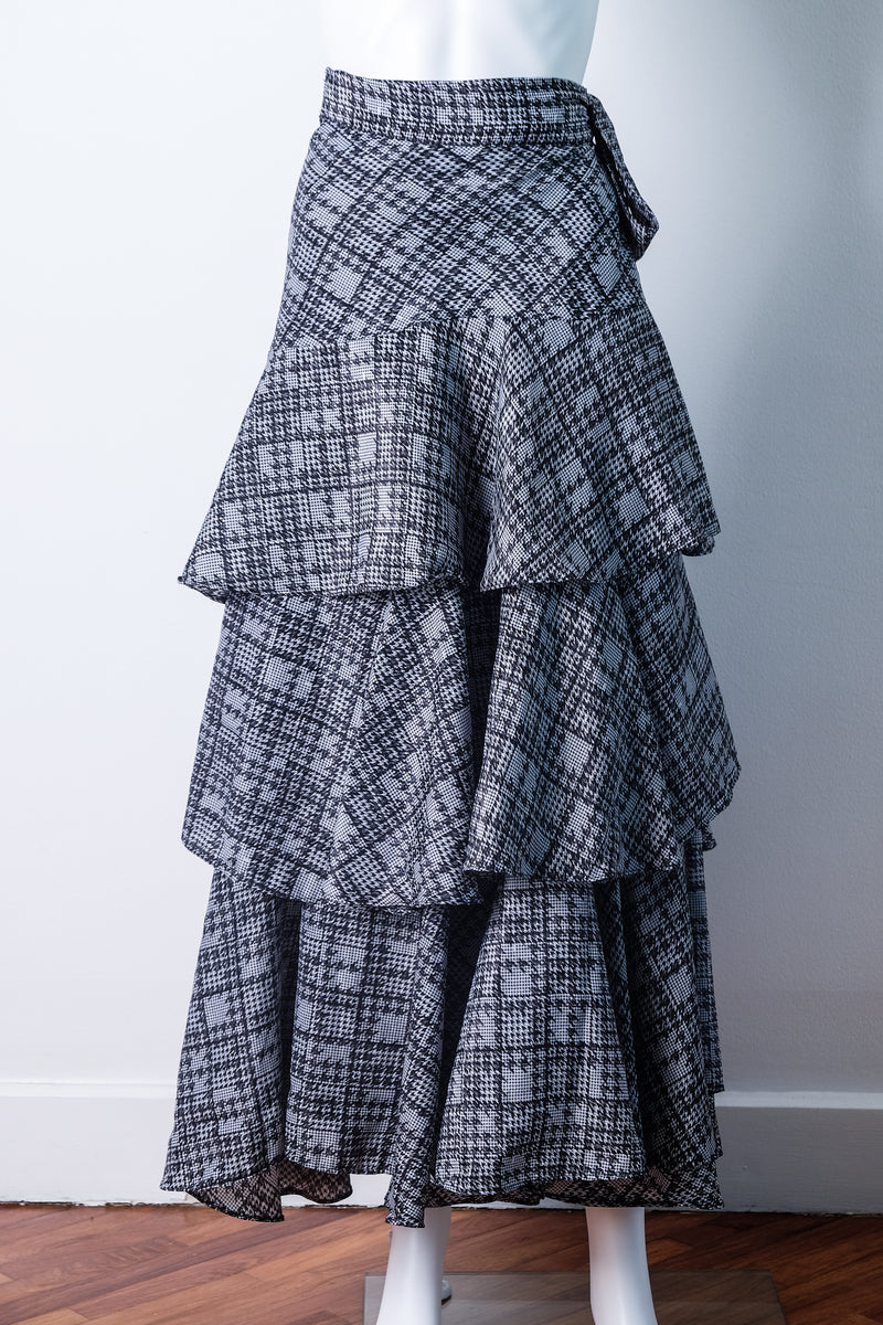 Tiered wrap skirt in houndstooth print