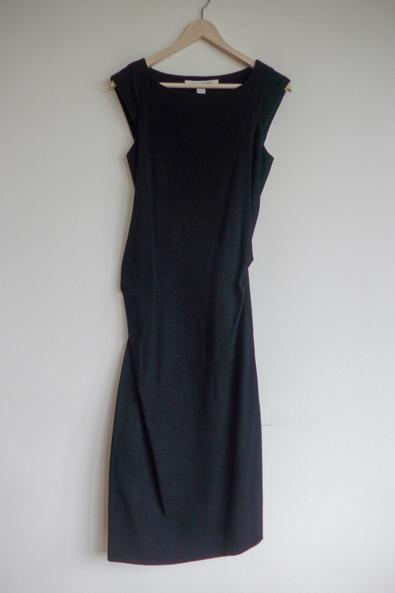 Black dress in textured stretch jersey
