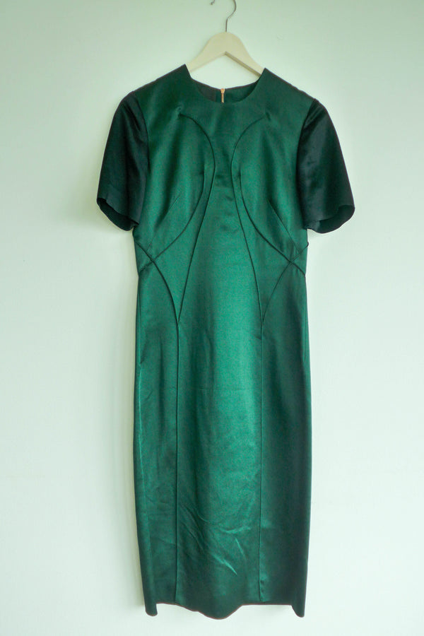 Green shift dress with contrasting sleeves