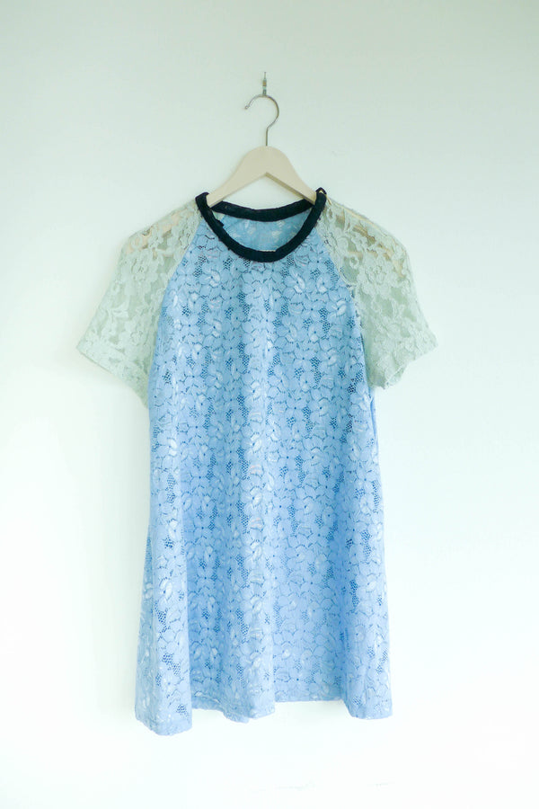 Crew-neck Top in Blue and White Lace