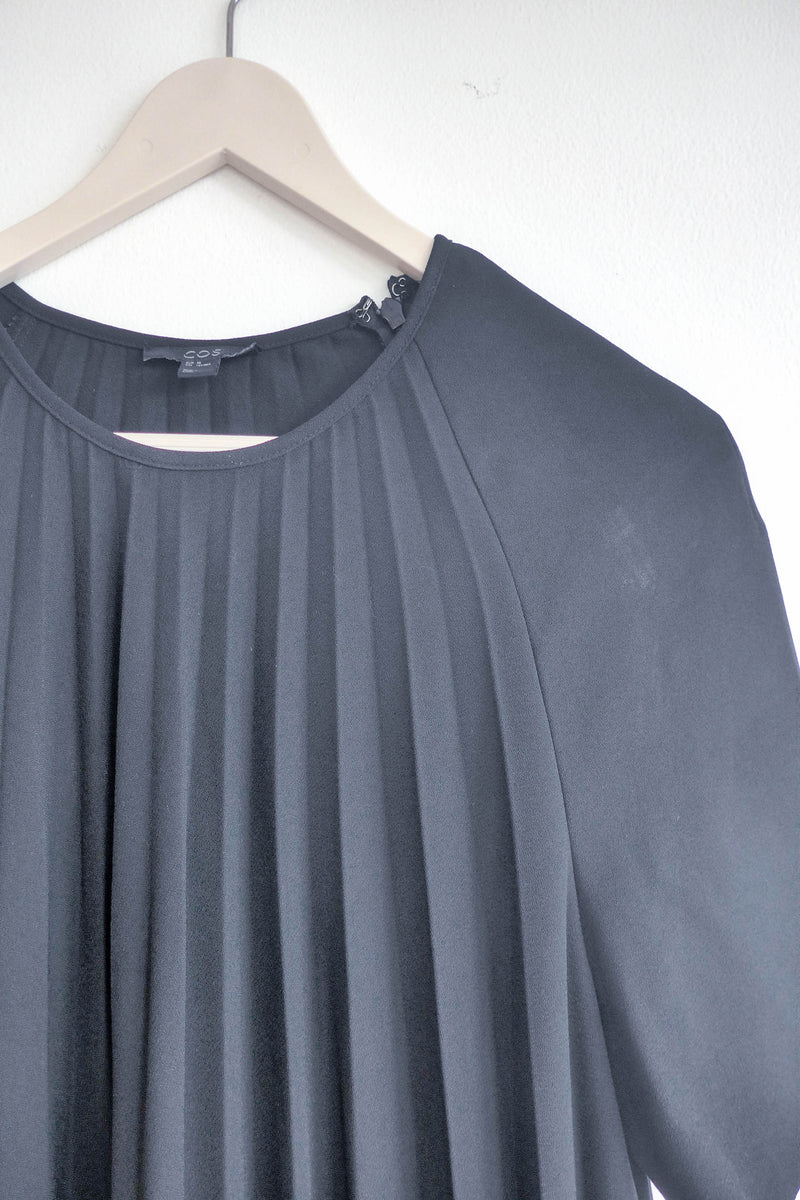 Pleated Top in Black