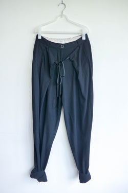 High-rise Tapered Pants in Black