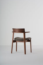 Load image into Gallery viewer, Aimi Chair