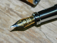 Load image into Gallery viewer, Suffolk King Antique Oak Fountain Pen