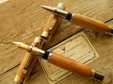 Load image into Gallery viewer, Suffolk King Fountain Pen/Rollerball Pen Gift Set Whiskey Barrel