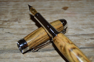 Suffolk Monarch Fountain Pen Bocote