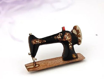 BekBek Makes Sewing Machine Pin