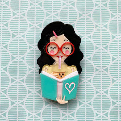 Simple Joy Brooch (Black Hair) 📖