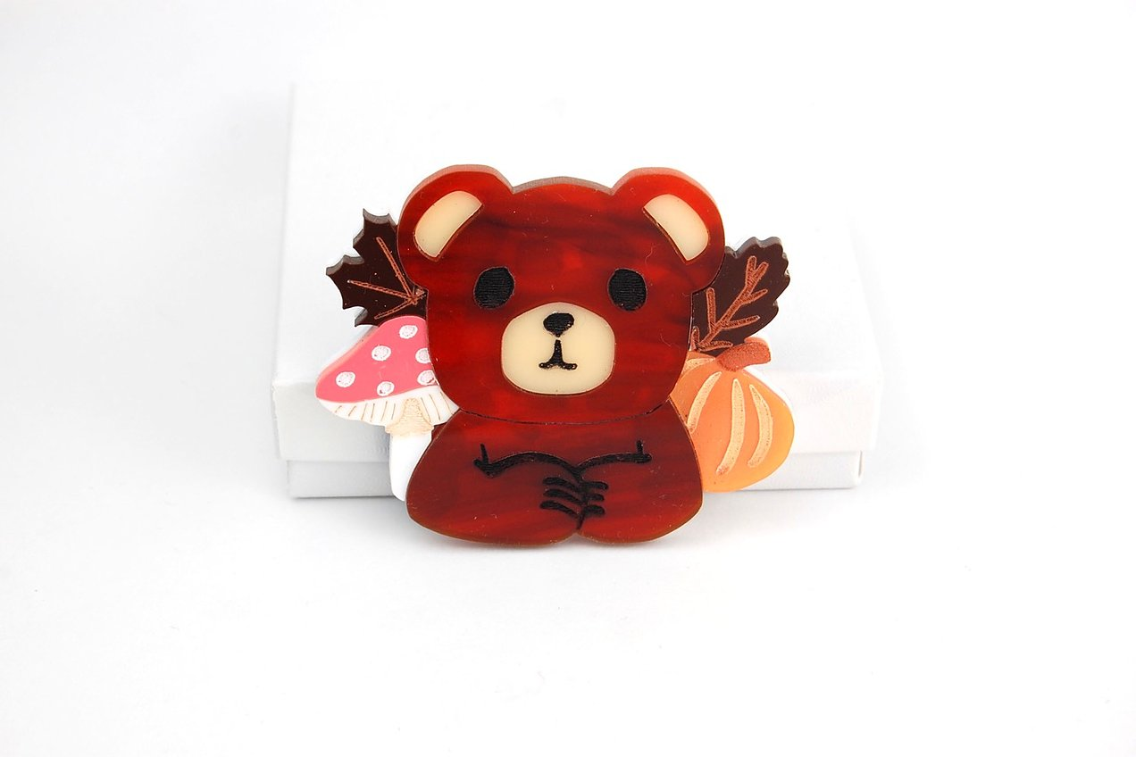 BekBek Makes Autumn Bear Brooch