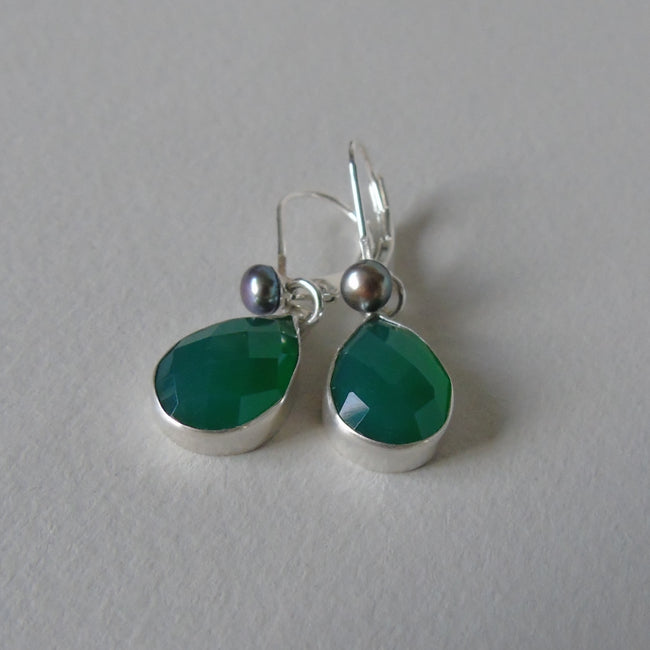 silver green onyx and pearl earrings