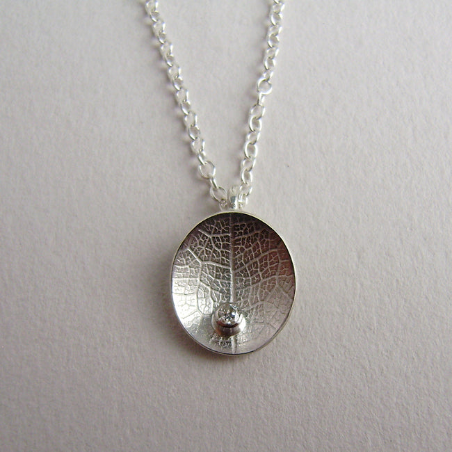 silver mini leaf dish diamond necklace