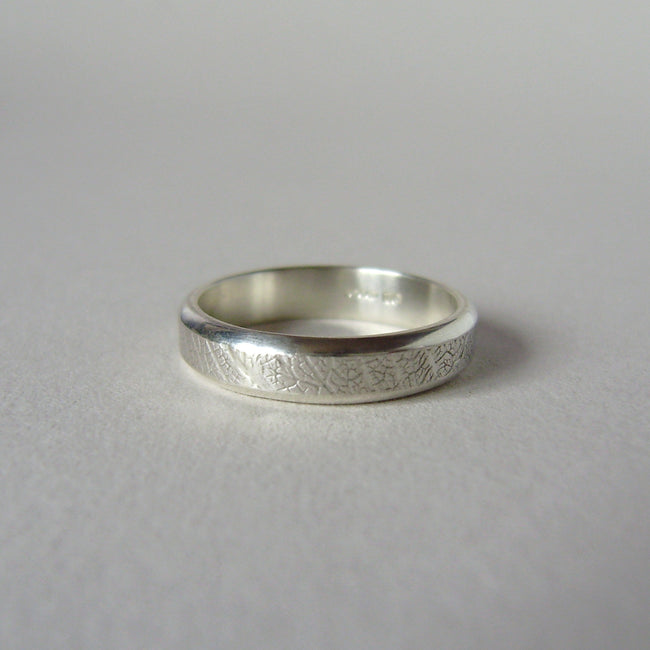 silver hand-forged 4mm leaf texture ring