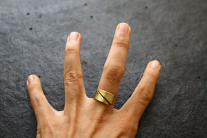 devious finger ring