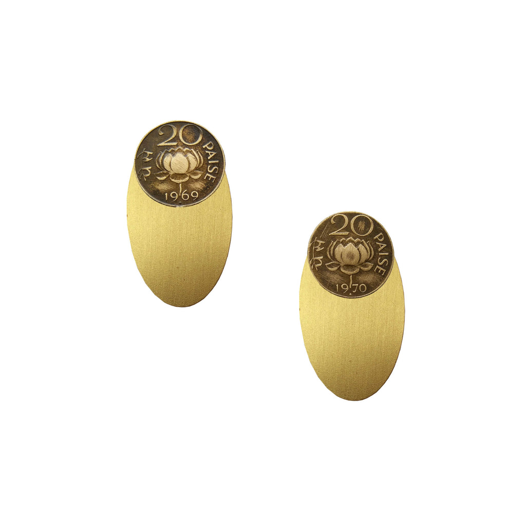 20 paise brass oval earjackets