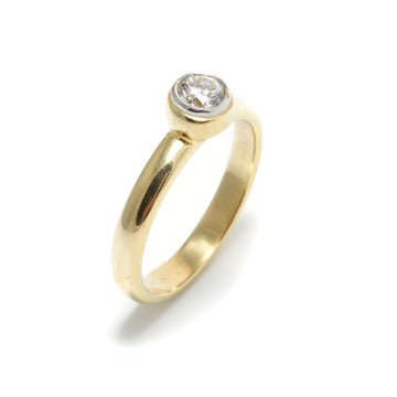 Stackable Diamond Ring in 18K Gold