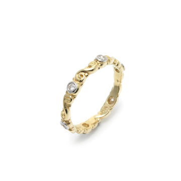 Curl Motif Diamond Band in 18K Yellow Gold