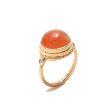 Carnelian Ring with Diamonds