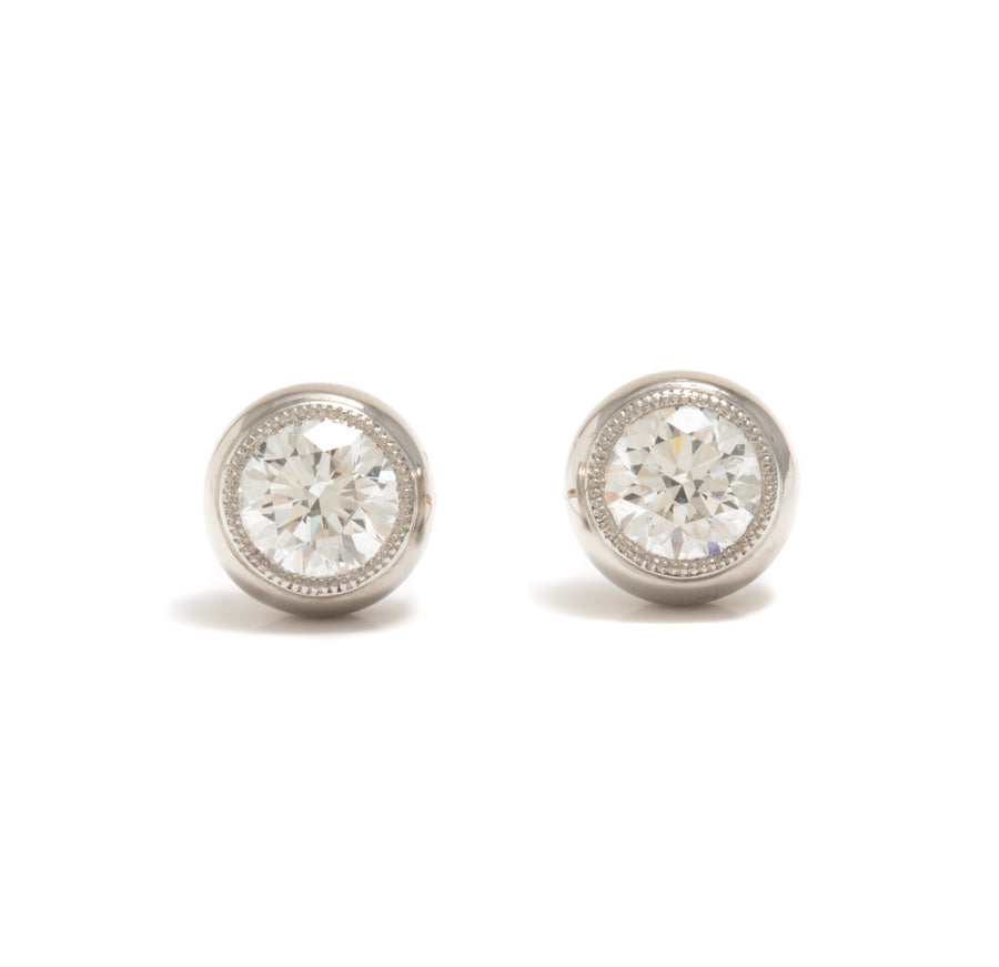 Round Brilliant Diamond Stud Earrings in Platinum