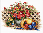 Roses and Sunhat - a Needleart no count cross stitch kit