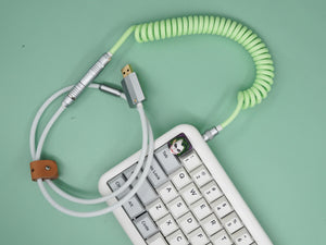 MelGeek Handmade USB Cable Coil on the Keyboard Side with Aviator |melgeek.com