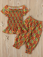 Load image into Gallery viewer, Sadie Little Girl Smocking Top and Capri Set - Kids