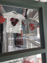 Load image into Gallery viewer, Heart Appliqué T-shirt - kids