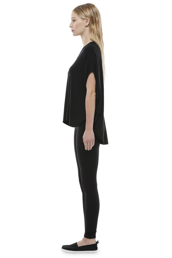 SSENTIEL 6 CAPE TEE, BLACK