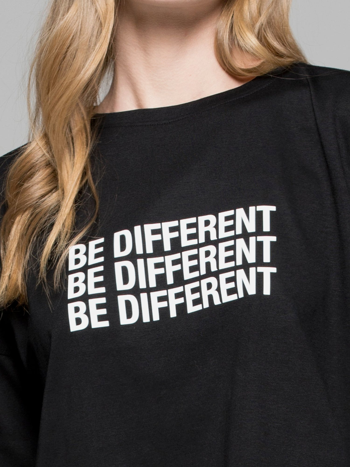 BE DIFFERENT OVERSIZED CROPPED TEE, BLACK
