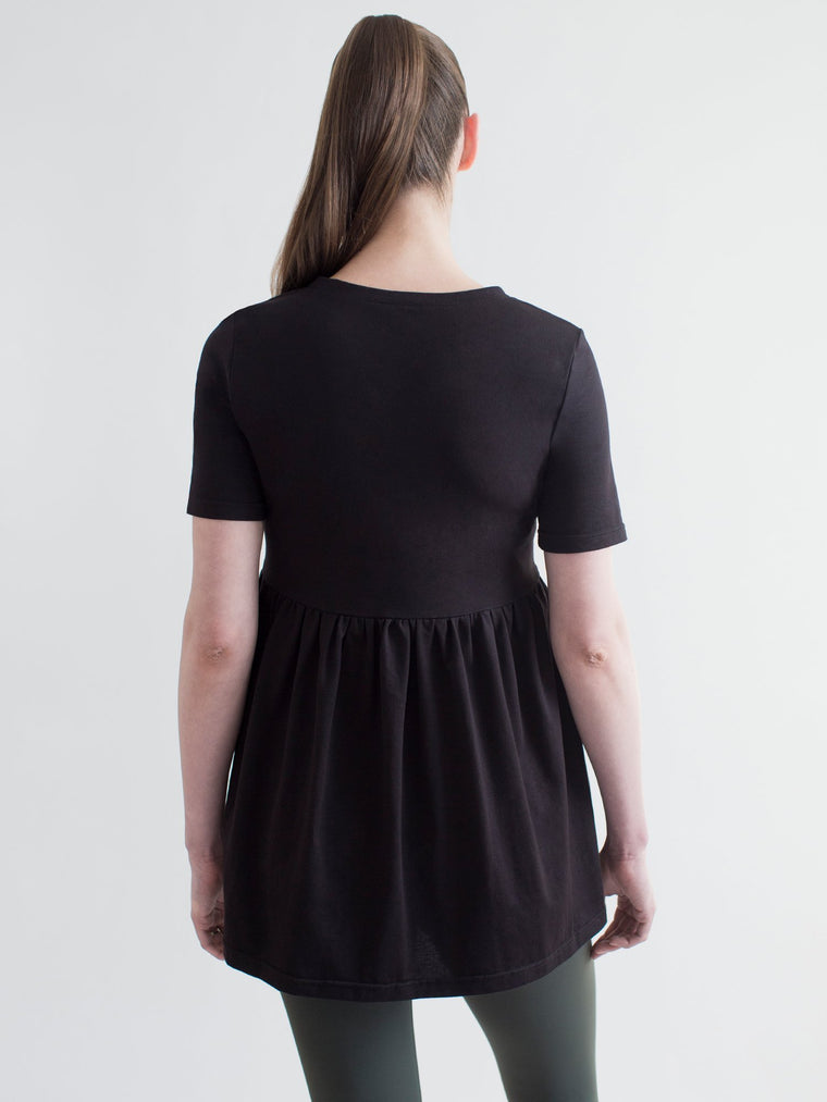 MATERNITY PLEATED SS T, BLACK