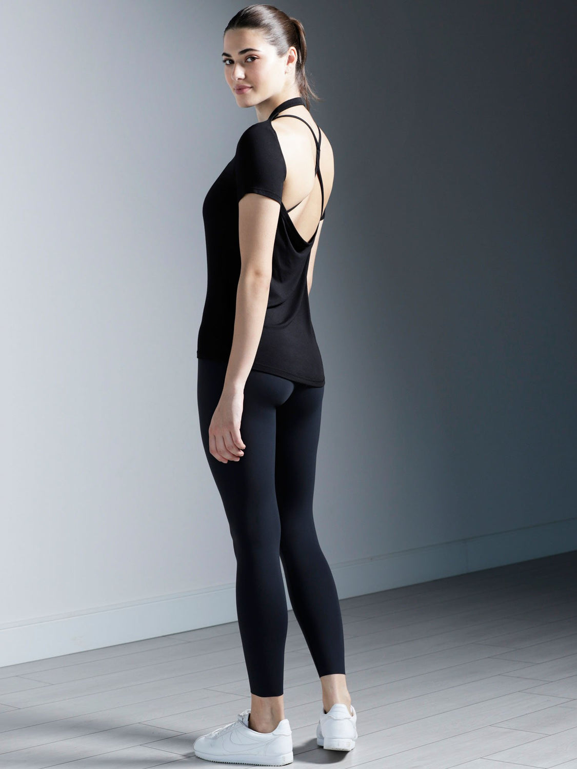 DRAPED BACK TEE, BLACK MODAL