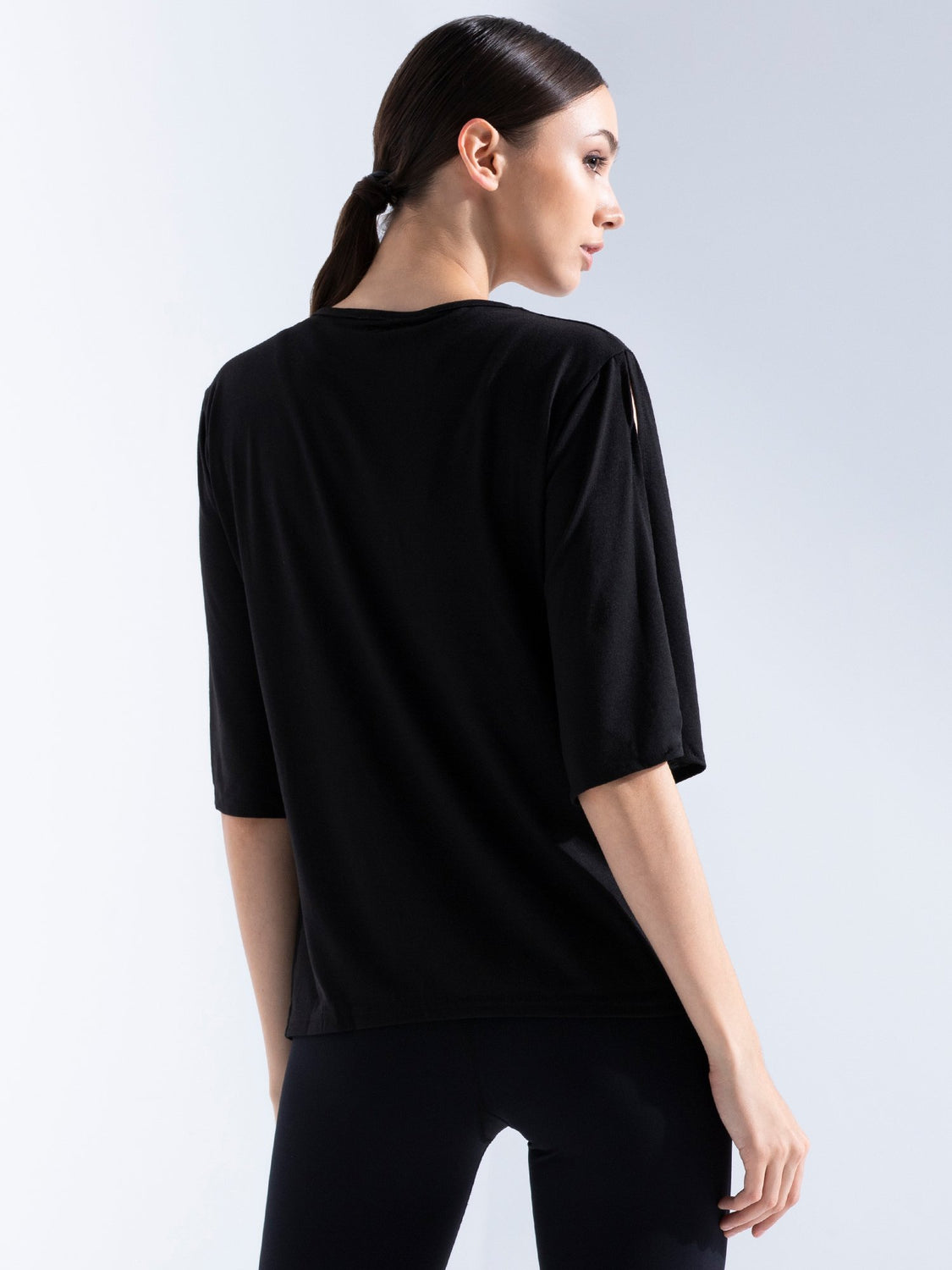 MOCK NECK SPLIT SLEEVE TEE