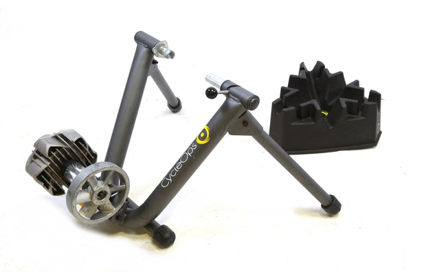 CycleOps Fluid 2 Fluid Bike Trainer with Riser Block