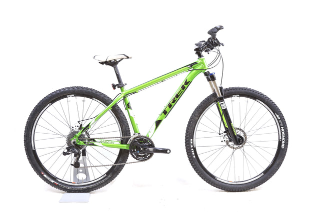 "2012 Trek Marlin 29"" Disc Mountain Bike 3 x 8 Speed SRAM RockShox M / 17.5"""