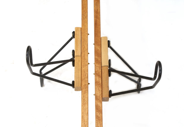 Geap Up Floor to Ceiling Bike Rack 4 Bike Capacity Display Stand Oak