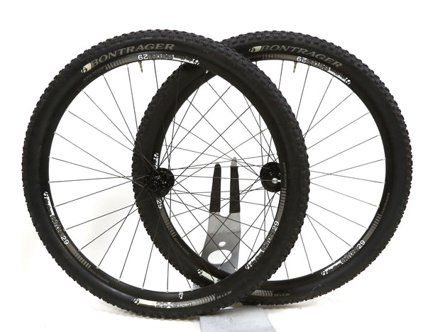 "Bontrager Rhythm Elite 29"" Wheelset Alloy TLR Mountain Bike 11 Spd Disc ThruAxle"
