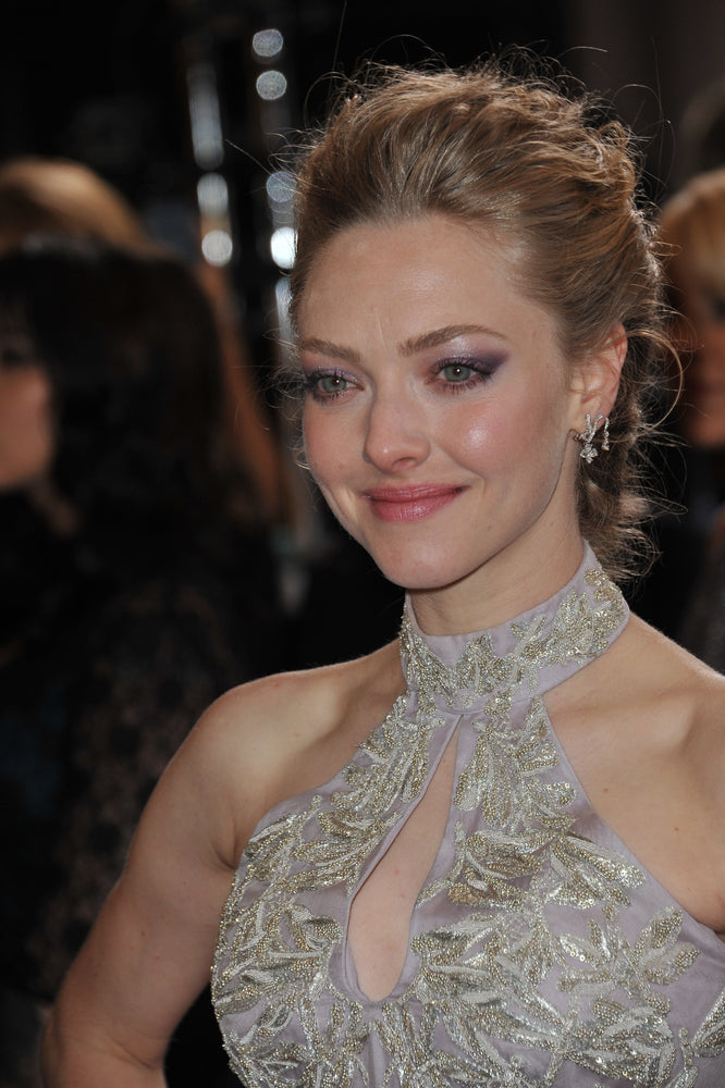 Amanda Seyfried may be eating this foods to have healthy glowing skin. Featureflash / Shutterstock.com