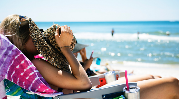 7 WAYS TO AVOID GETTING SUNBURNED AT THE BEACH