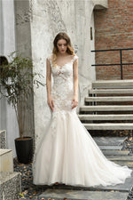 Fast Shipping Mermaid Bateau Ivory Wedding Dress with White Lace