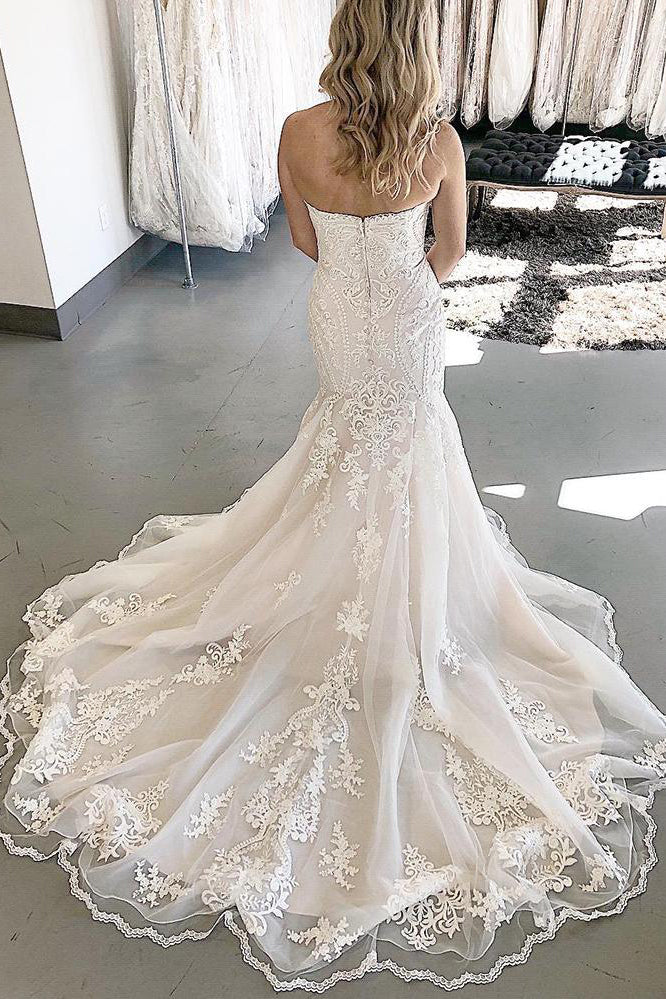 Chapel Train Mermaid Sweetheart White Wedding Dress with Lace
