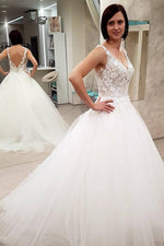 Princess Long A-line V-line White Wedding Dress with Appliques