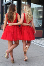V-Back Beading Belt Red Homecoming Dress with Appliques