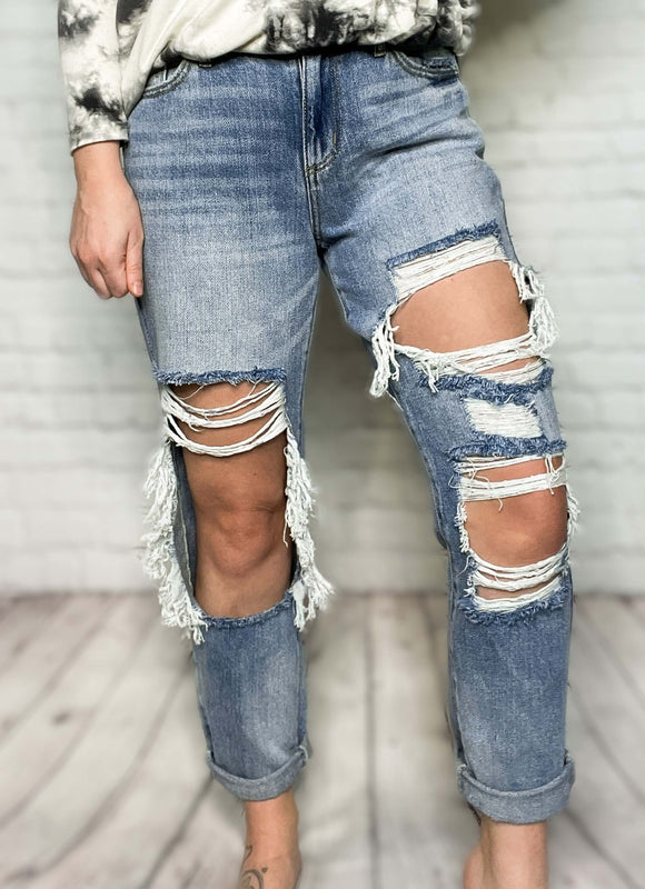 High Rise Medium Light Wash KanCan Jeans Distressed Boyfriend Jeans Relaxed Fit True to Size 100% Cotton 10