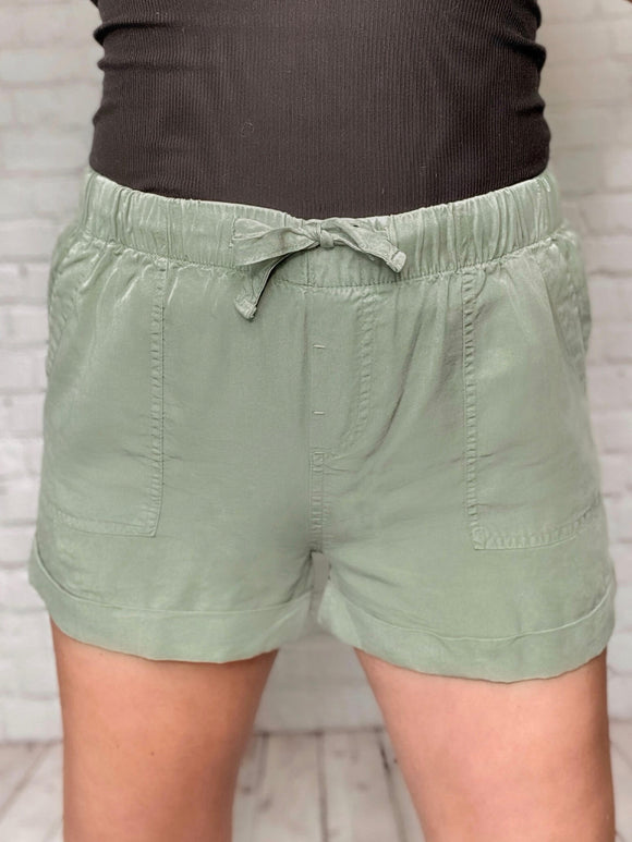Olive Shorts Adjustable Drawstring Elastic Waist Pull-On Style Rolled Hem Four Pockets True to Size 100% Tencel